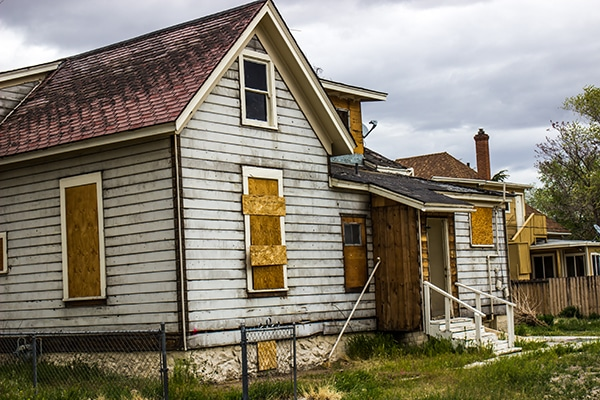 is it ok to have boarded windows in Sacramento
